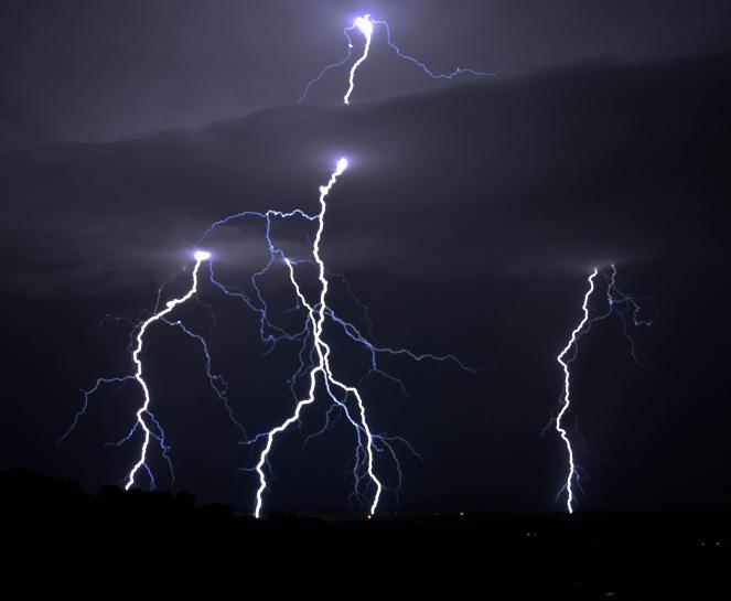 lightning_3762193048