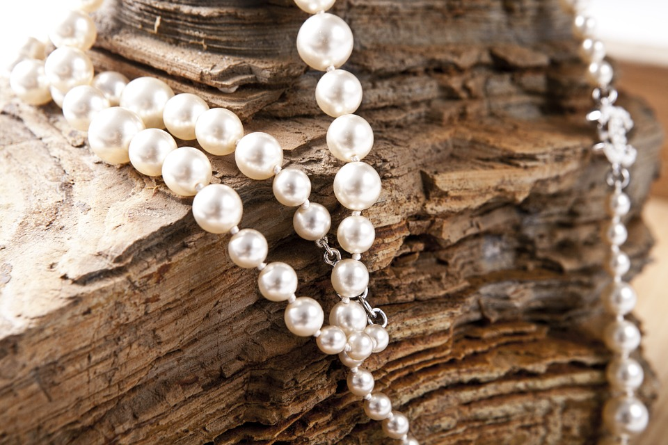 Chanel Pearl Love Jewelry Beautiful Rock Necklace